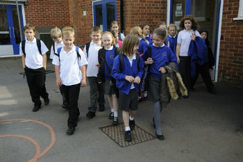 Academies no better than council schools, think tank finds image