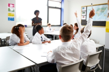 Air pollution round schools is impacting learning, research finds image