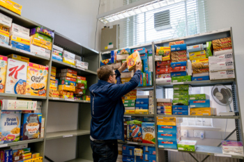 Benefit problems 'widespread' among food bank users image