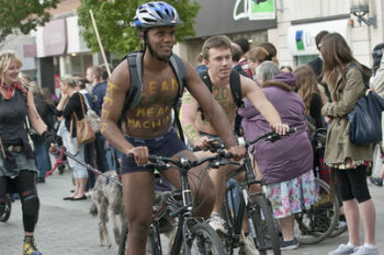 Canterbury council issues naked bike ride warning image