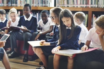 Childrens Laureate calls for £100m ring-fenced school library fund image
