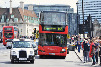 Commuters on public transport face eight times more pollution than drivers image