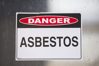 Council criticised after workers exposed to asbestos image