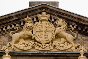 Council-employed gang convicted of £1m benefit fraud image
