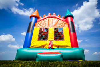 Council to ban bouncy castles after deaths image