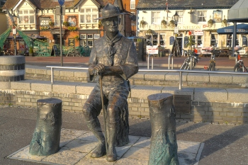 Council to remove Robert Baden-Powell statue from Poole image