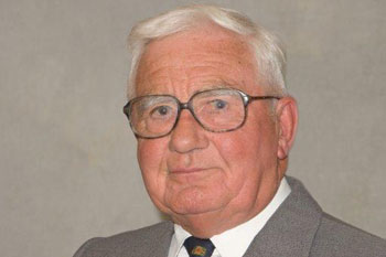 Councillor announces retirement after six decades of service image