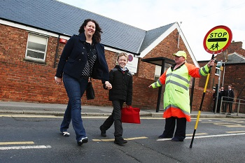 Councils urged to create 'school streets' image