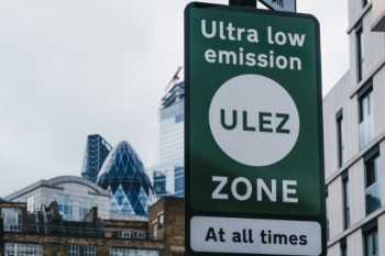 Dramatic fall in Londons air pollution since 2016, data shows image