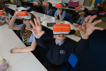 East Renfrewshire first council to give every school virtual reality headsets image