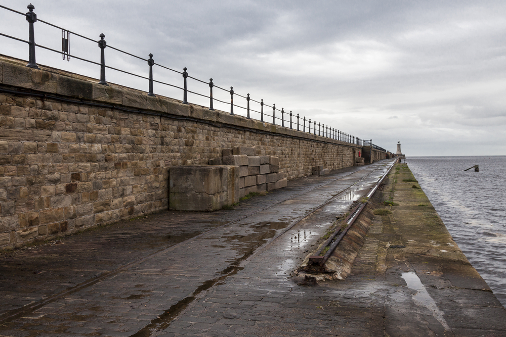 Elected mayor saves £1m with revised sea defence scheme image