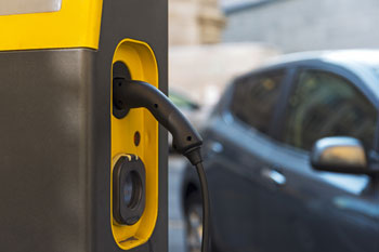 Electric vehicle charging points to quadruple in London next year image
