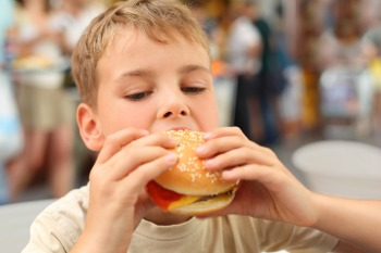 Hunt outlines plan to halve childhood obesity by 2030 image