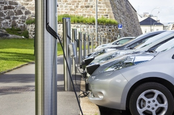 Just one in six councils have on-street EV charge points, research finds image