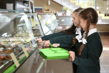 Labour calls for free school meals to be provided during holidays image