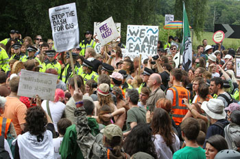 MPs call for halt on UK fracking image