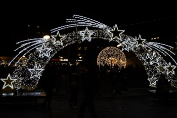 Manchester embraces recycled eco Christmas lights image
