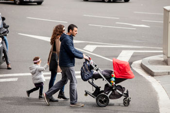 New roads must prioritise pedestrians, health body says image