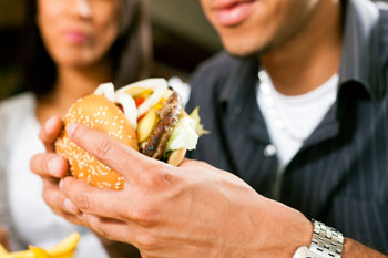Poorer areas see rapid rise in fast food outlets, study finds image