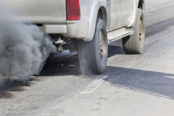 Think tank calls for fuel duty rise to tackle pollution image