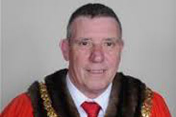 Tributes paid after sudden death of mayor of Cambridge image