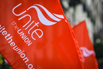 Union paves the way for illegal strike action image