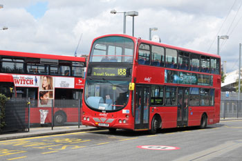 We need a national bus strategy, MPs say image
