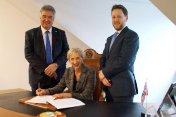 West Sussex councils sign partnership agreement image
