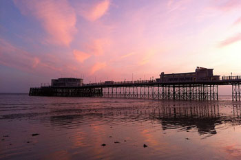 Worthing's Art Deco pier named best in the UK image